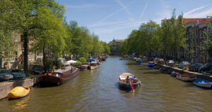 Amsterdam_Canals_-_July_2006
