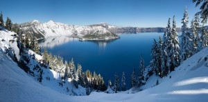 Crater_Lake_winter_pano2
